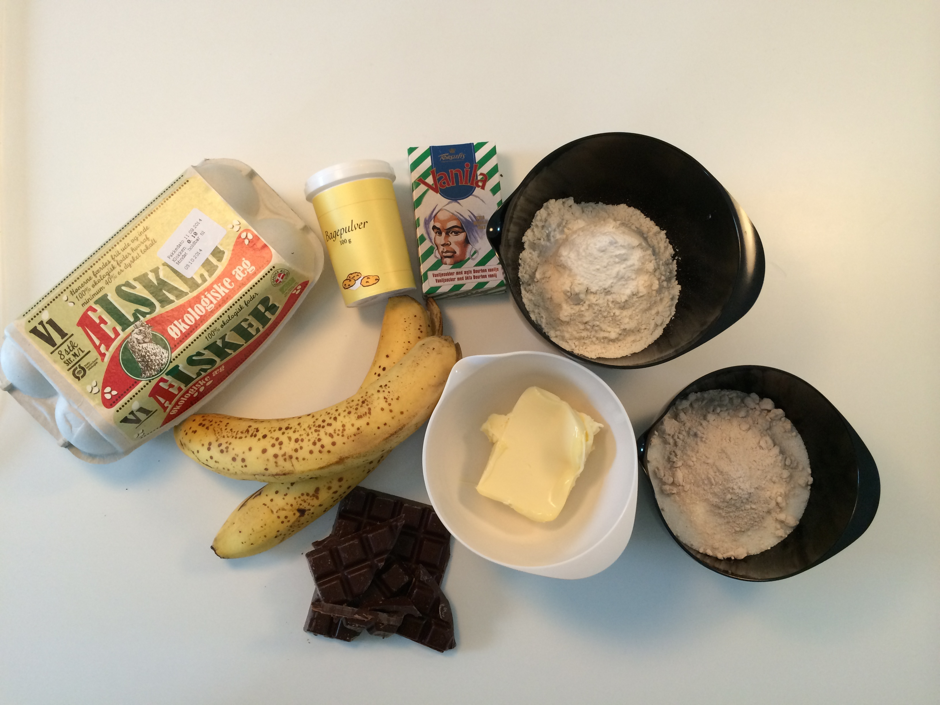 alle ingredienser til banankage